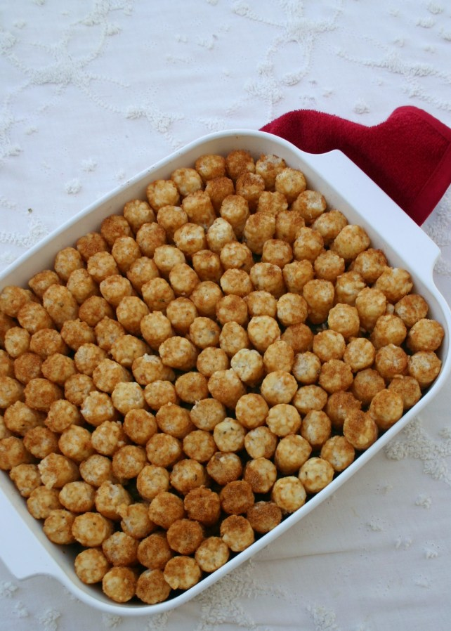 tator-tot-hotdish-family-dinner.jpg //namafish.com